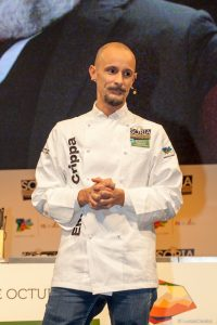Enrico Crippa, tres Estrellas Michelín en su restaurante Piazza Duomo en Alba (Italia)