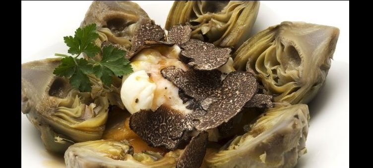Artichoke cream with prawns and black truffle